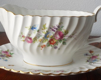 Mintons England Attached Gravy Boat Floral Motif Scalloped Perimeter Marlow Pattern Vintage