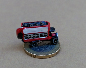 London Bus Lead (pewter)