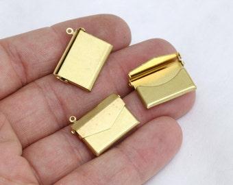 1 Pcs 17x21mm Raw Brass Envelope Pendant , Envelope Charms , Raw Brass pendant, charms, AE93