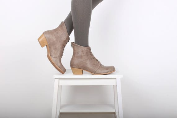 Boots shipping gray Ankle heeled free women's Up Lace Leather Booties ADIKILAV wide 4gFwWq55na