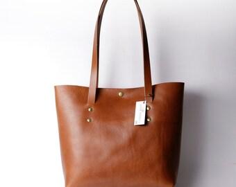 Ultrabag tote bag in Italian vegetable tanned leather - Dark tan. Handmade in Britain. Shoulder bag/handbag
