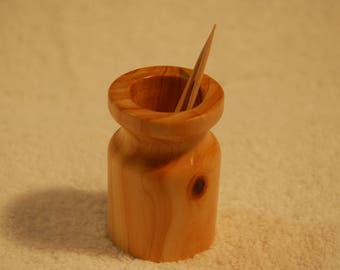 Toothpick holder made of wood, cedar, kitchen, dining, entertaining