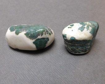 Tumbled Sardonyx. Tumbled Stone. Gemstone. Undrilled. Reiki Stone. Talisman Stone. Wire Wrapping Stone. 28mm - 35mm. One (1)