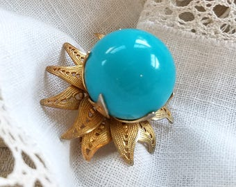 Unusual Blue Gumball Plastic Ball Gold Tone Vintage Brooch Pin
