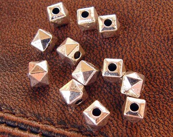 40 beads geometric polygonal silverplate
