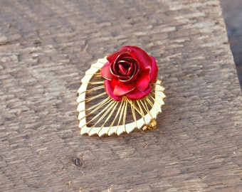 Red Rose Heart Pin, Rose Lapel Pin, Gold Heart Pin, Red Rose Brooch, Gold Tone Heart Brooch, Gold Tone Lapel Pin, Gift for Her, Gift for Mom