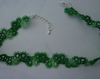 hand made tatting lace choker necklace in Variagated green