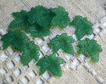 100pcs Frosted Lucite Leaves Green 20x20mm Leaf Charm Acrylic Matte