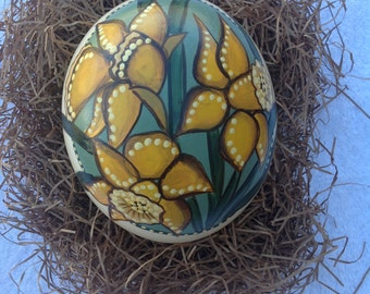 Easter egg | Original hand painted ostrich egg with yellow daffodils for Easter or spring