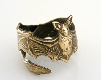 Vintage Jewelry - Vintage Ring - Bat Ring - Vintage Brass jewelry - Adjustable Ring -  Statement Ring - handmade jewelry