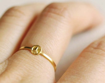tiny peace sign ring . gold peace sign ring . peace sign jewelry . peace ring . modern bohemian . hippie ring . stacking ring