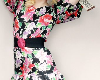 Vintage Deadstock 1980s Black Red Floral Puffy Sleeved Dress, Puffy Sleeves, 80s Floral, 80s party, 80s Vintage, 80s floral, puffy sleeves