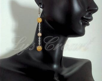 Dangling earrings, Pearl Tan Crackle effect - By Lily Creart'