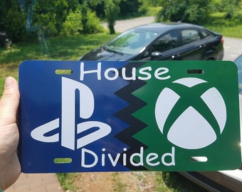 Playstation v Xbox house divided