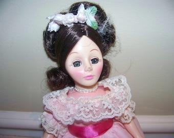 1851 Gigi the femme fatale# 1259 Effanbee 11 inch doll