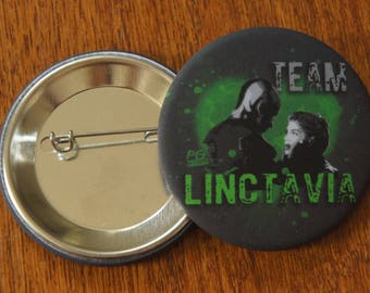 "Badge / Pin "" TEAM LINCTAVIA"" - The 100 / Octavia / Lincoln / Marie Avgeropoulos / Ricky Whittle"