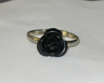 Black Rose Metal Adjustable Ring