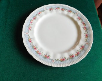 Paragon Bridesmaid dinner plate VGU