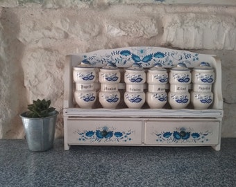 Wall Spice rack wood Vintage, with its 6 ceramic spice jars, white and blue, German