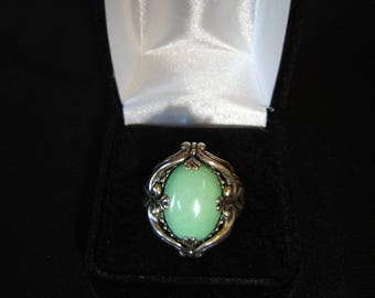 Vintage Sterling Silver and Green Jade Ring Stunning.