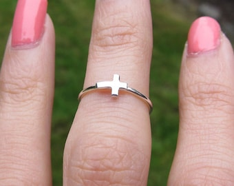 Sterling Silver Mini Cross Knuckle Ring