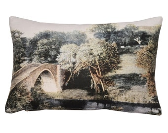 Linen cushion, English bridge scenery design