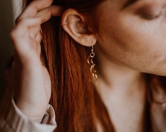 Boucles d'oreilles lune, Galactic boucles d'oreilles, boucles d'oreilles or, boucles d'oreilles bohèmes, bijoux lune, lune accessoires, bijoux Vintage, boucles d'oreilles Vintage