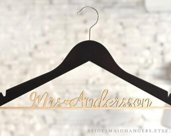 Custom Bridal Hanger, Bride Hanger, Wedding Dress Hanger, Personalized Wedding Hanger, Engagement Gift, Bridesmaid Gifts, Name Hanger,Mrs 06