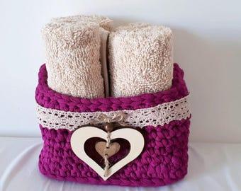 Rectangular basket Sling. Guest Towel