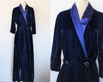 1950s Velvet Robe / Vintage 50s By Peer Jordan Marsh Royal Blue Cobalt Crushed Rayon Velvet Dressing Gown / Hostess Gown / Loungewear - S