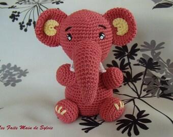 The elephant crochet Liedvino