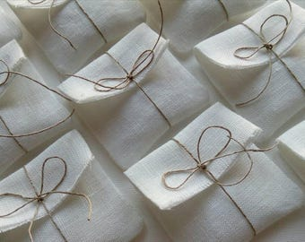 The set of 100 packaging natural linen pouches. Off white.Linen envelopes.Jeweley/Favor /Gift/Candy packaging bags. Wedding favors.