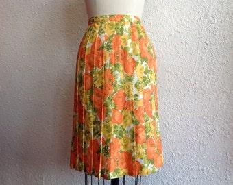 SALE 1960s Nylon floral print pleated skirt