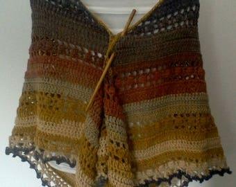 Triangular shawl