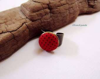 """Dots"" cotton fabric cabochon ring. (red)"