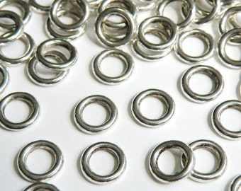 20 Simple Round charm connectors closed soldered jump rings antique silver 10.5mm PR303-11