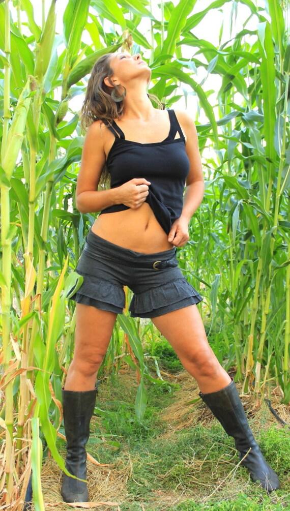 sexy Mädchen tragen Beute Shorts