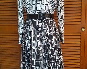 Vintage Serbin Black-and-White Abstract Print Shirtwaist Dress, Size 10-12
