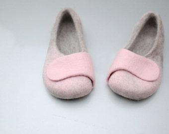 Felted slippers for women - women home-wear - pale pink slippers - powder pink slippers - wool slippers