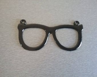 Connector pendant 92x43x2mm sunglasses