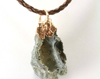 NATURAL Oco ocho Geode Agate Quartz Crystal Necklace Druzy Drusy - Pendent - Copper Plated with adjustable brown leather cord