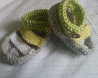 Baby knitting pattern 3-6 month sandals