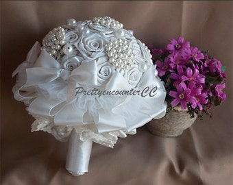 Pretty Champagne Wedding Bouquet Lace Satin Ribbon Pearls Brooches Bridal Bouquet Bridesmaid Bouquet Handmade Wedding Flowers