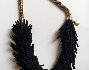 design black necklace