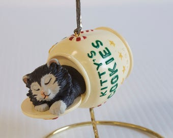 Vintage 1994 Hallmark Cat Nap - Cat in a Cookie Jar Christmas ornament