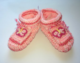 Booties Crochet Baby Shoes,Neutral Baby Slippers, Sizes 0-3 months,Knitted Ready to Ship
