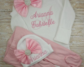 Baby girl coming home outfit, newborn girl outfit, newborn baby girl take home outfit, baby girl clothes, monogram, Name, baby shower, set