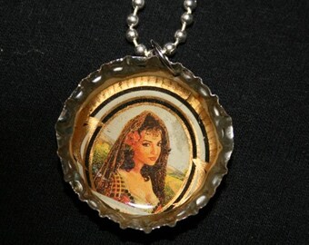 Quintero bottle cap necklace