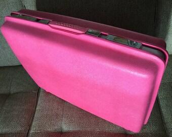 Pink Samsonite Saturn Suitcase, Medium Sized Hard Shell Bright Pink Travel Case