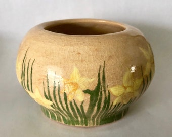 Daffodils hand painted onto stoneware pottery wheel thrown little pot